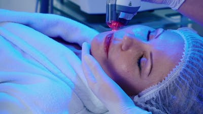 The Procedure of Wrinkles Removal in a Beauty Clinic