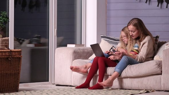 Thumbnail for Mother Gives Online Shopping Education To Daughter