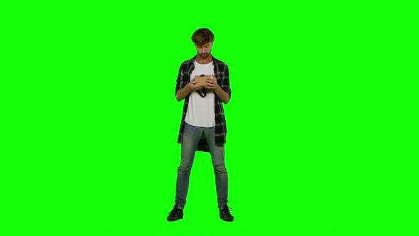 Thumbnail for Virtual Reality Googles. Green Screen