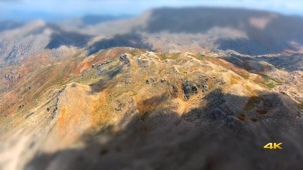 Cover Image for Mountain Model With Miniature Effect