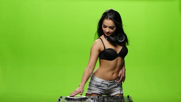 Thumbnail for Girl Dj Sexy Dance and Controls the Decks. Green Screen