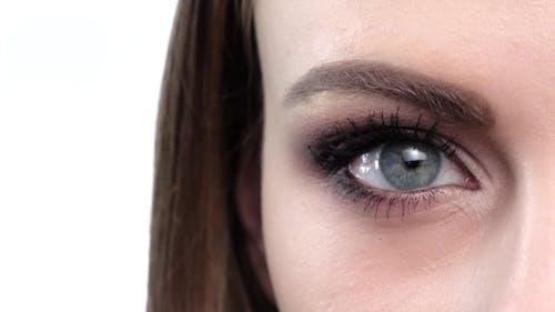 Blue Eye Makeup. Beautiful Eyes Makeup.