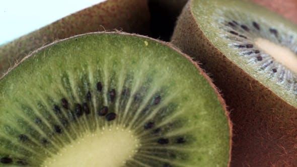Thumbnail for of Kiwi Spinning