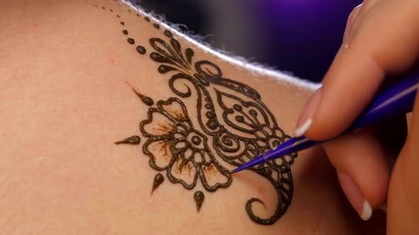 Thumbnail for Art of Mehendi. Master Works on Models Back, Close Up