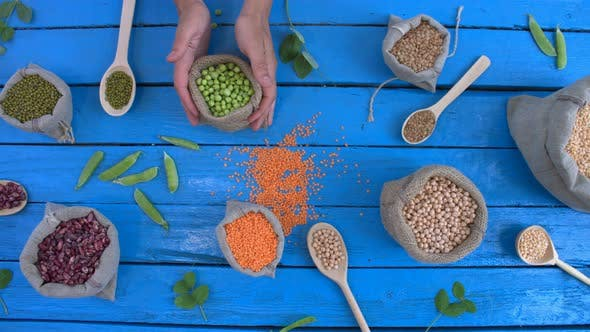 Thumbnail for Hülsenfrüchte auf Holz ökologischen Hintergrund