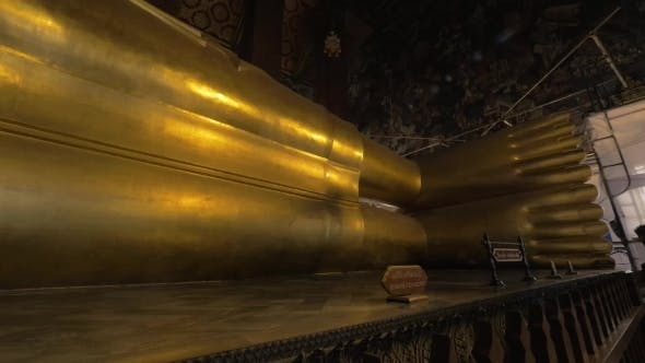 Cover Image for Giant Reclining Buddha Statue in Wat Pho Temple, Bangkok
