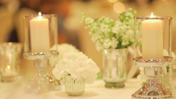 Thumbnail for Dekorierter Tisch für ein Hochzeitsessen