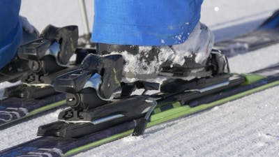Fixing the Ski Boot To the Ski