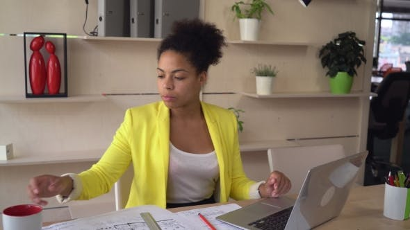 Thumbnail for Mulatto Businesswoman in Office.