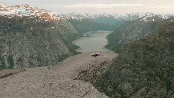 Relaxation on the Trolltunga in the Norway