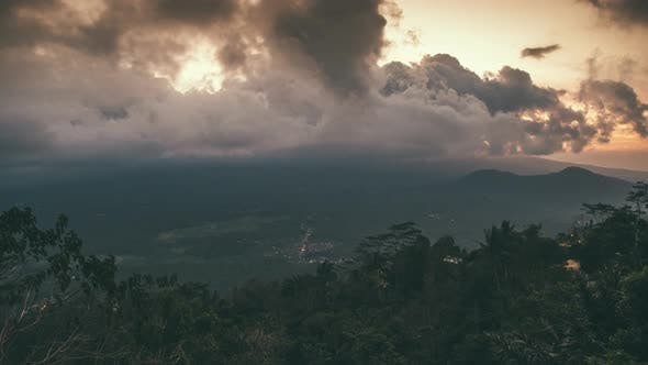 Cover Image for Mount Agung and the Epic Blanket of Cloud in Bali, Indonesia. Timelapse