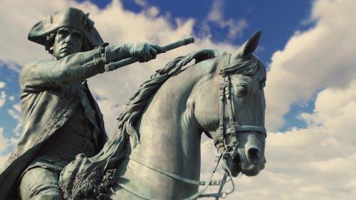 Bronze-Denkmal Skulptur