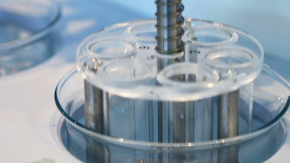 Cover Image for Medical Device Centrifuge for Mixing in the Laboratory