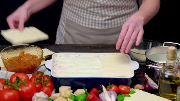 Thumbnail for Zubereitung von hausgemachten Lasagne