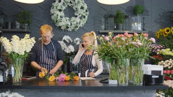 Thumbnail for Kollegen in Floral Shop