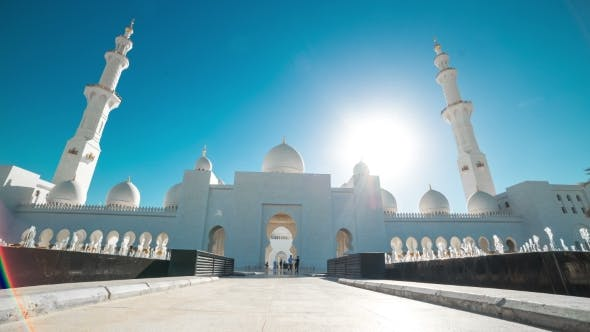 Cover Image for Sheikh Zayed Grand Mosque  Hyperlapse Located in Abu Dhabi