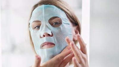 Face Mask Apply Skin Moisturizing Beauty Woman