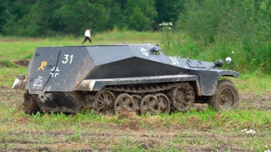 War. Personnel Carrier