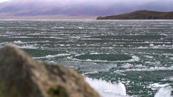 Thumbnail for Schmelzen von Eis auf dem See