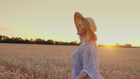 Thumbnail for Enjoy the Fresh Air, Walk Around the Wheat Field at Sunset