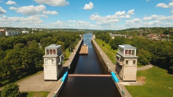 Thumbnail for Gateway on the River Sluice Gates