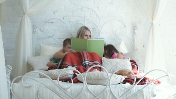 Thumbnail for Mutter und Kinder Lesebuch
