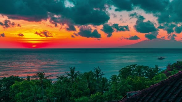 Cover Image for Sunrise  Over the Lombok Strait To the Volcano Rinjani on the Island of Lombok As Seen From the Ame