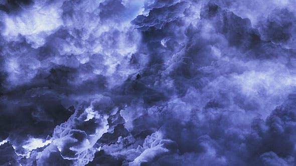 Wolkiger Dunkler Himmel