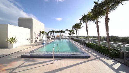 Coop Condo Roof Top With Pool