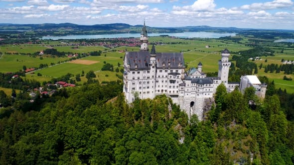 Cover Image for Neuschwanstein Castle Bavarian Alps Germany