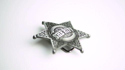 Sheriff Star anschalten