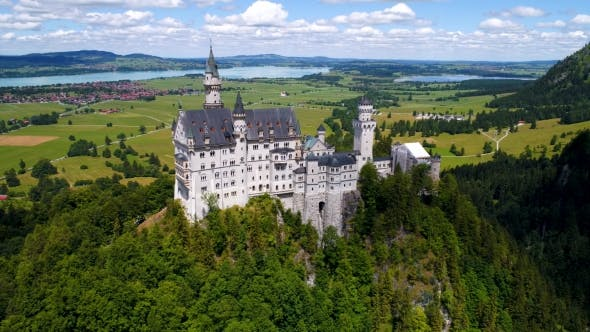 Cover Image for Neuschwanstein Castle Bavarian Alps Germany