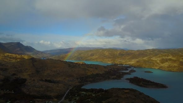 Thumbnail for Torres Del Paine, Chile. Blick auf den See Pehoe und die Türme von Cuernos