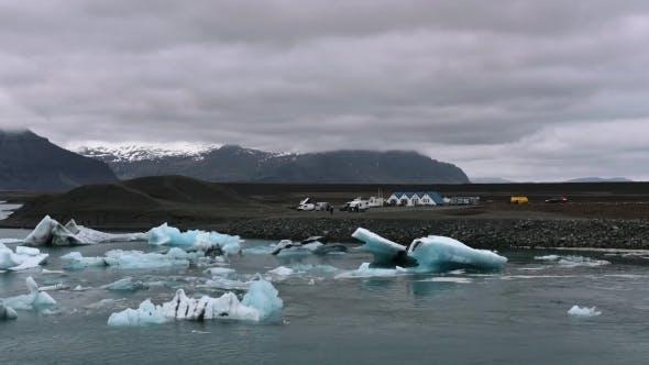 Thumbnail for Icebergs in Jokulsarlon Glacial Lagoon