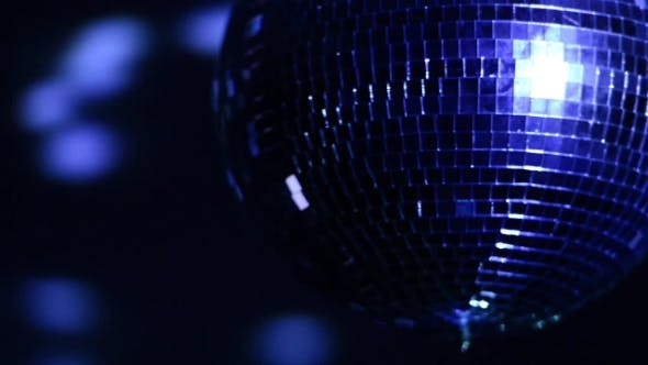 Cover Image for Disco Ball Turns