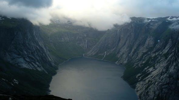 Cover Image for Ringedalsvatnet Lake Near Trolltunga