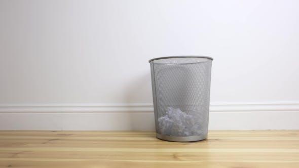 Cover Image for Metal Garbage Basket