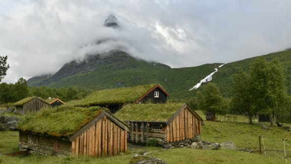 Cover Image for Norwegian Grass Roof Old House