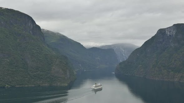 Cover Image for Breathtaking View of Sunnylvsfjorden Fjord