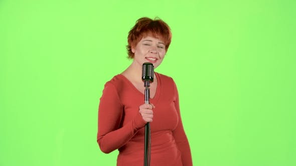 Thumbnail for Singer Performs Her Song of Authorship. Green Screen