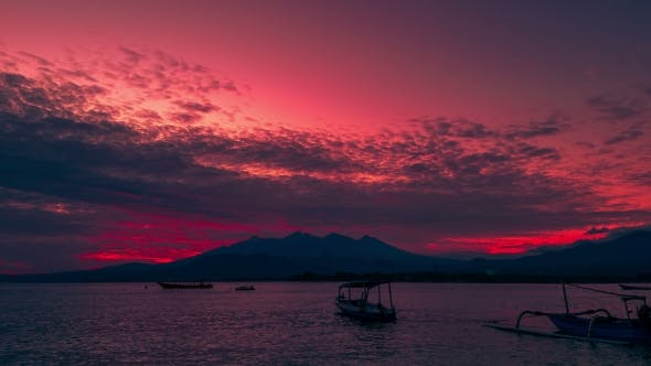 Cover Image for Sunrise Gili Island on Background Rinjani Volcano in Lombok Island, Indonesia