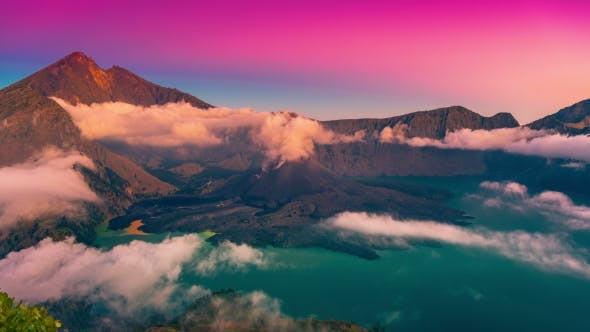 Cover Image for Sunset Over the Crater of the Volcano Rinjani in Lombok, Indonesia