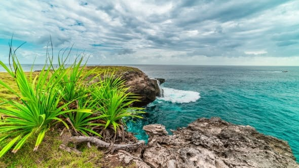 Cover Image for Amazing  View of Blue Lagoon, an Exotic Spot at Nusa Ceningan Island, Indonesia