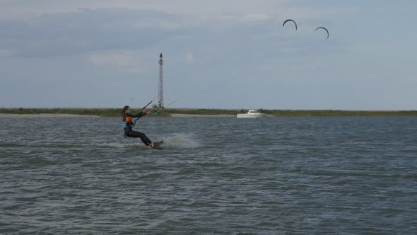 Thumbnail for Kite Surfing in the Bay