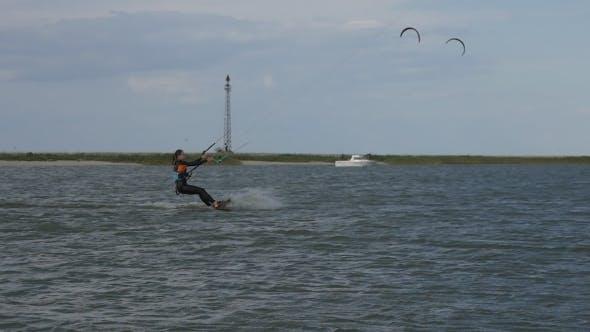 Kite Surfing in the Bay