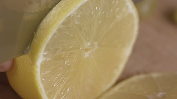 Thumbnail for the Cook Cuts a Lemon
