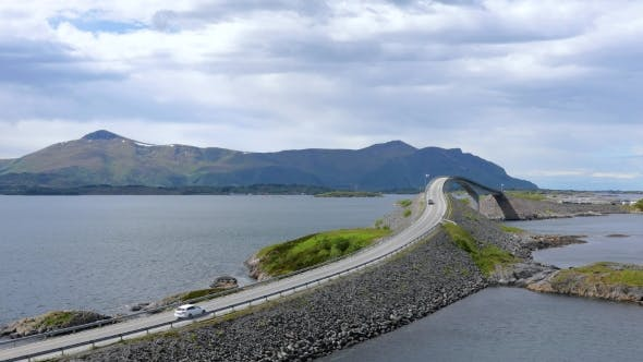 Cover Image for Atlantic Ocean Road Norwegian Construction of the Century