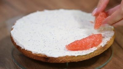 Cooking a Cake with Grapefruit