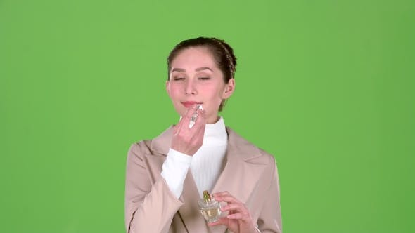 Thumbnail for Seller of Cosmetics Advertises a Pleasant Fragrance of Perfume. Green Screen