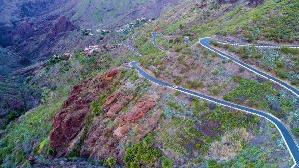 Cover Image for Winding Road Near Masca Gorge